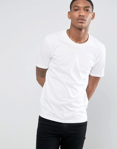 Tenue homme idée de look tee-shirt blanc