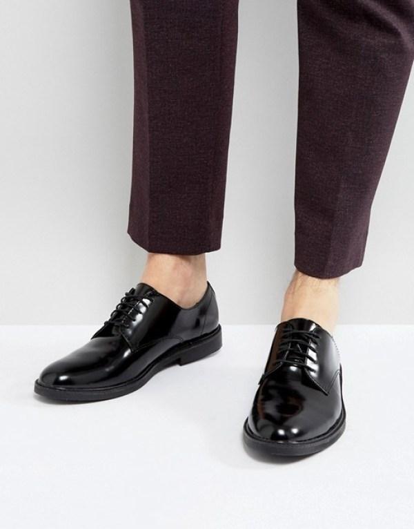 chaussure de ville vernis pour le nouvel an