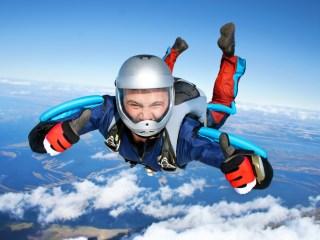 activités sports extrêmes saut en parachute cap adrénaline