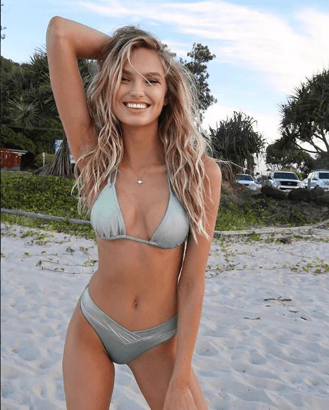 Romee Strijd mannequin plage bikini