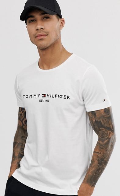 tommy-hilfiger-t-shirt-avec-logo-look-de-la-semaine