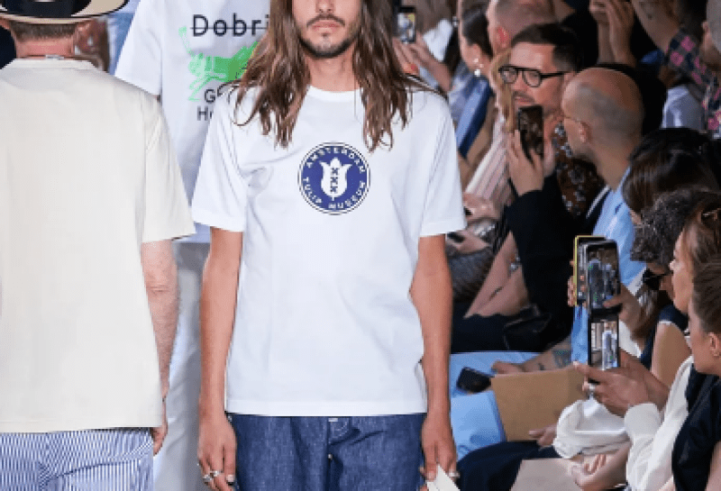 comment-shabiller-defile-tee-shirt-basique