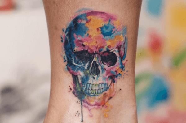 les tatouages les plus à la mode tatouage couleurs pastels