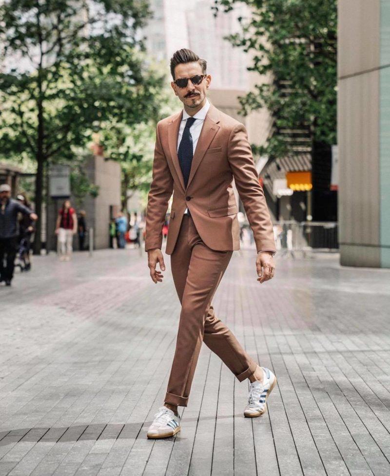 s'habiller pour un entretien look streetwear chic