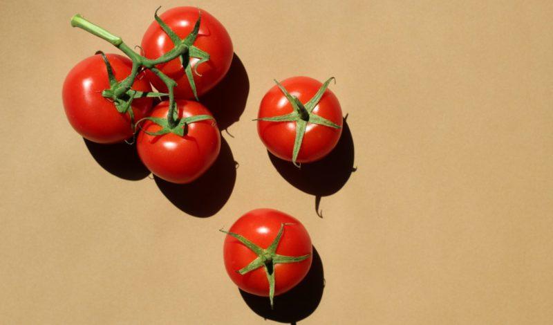 Ces 10 aliments qui font bronzer plus vite Tomates cerises