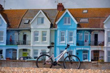 """Este tipo de viviendas son llamadas """"terraces"""" (terrazas), y estas están frente al mar."""