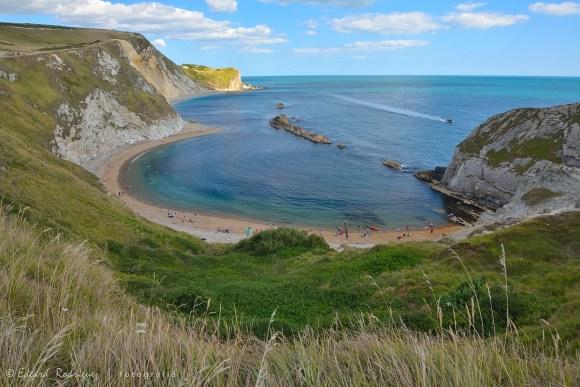 La playa de Man O'War, sirve de preámbulo a lo que se puede uno encontrar en Durdle Door.