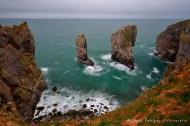 Julio: Una excursión a la costa sur de Gales, específicamente al condado de Pembrokeshire. Esta foto de Stacks Poles es muy especial para mí porque es un sitio que había querido visitar desde hacía tiempo. Las rocosas costas de Pembrokeshire son un paraíso para los fotógrafos. Esta excursión la compartí como muchas veces, con Frances, mi pareja, quien me ha apoyado incondicionalmente en mi trabajo como fotógrafo.