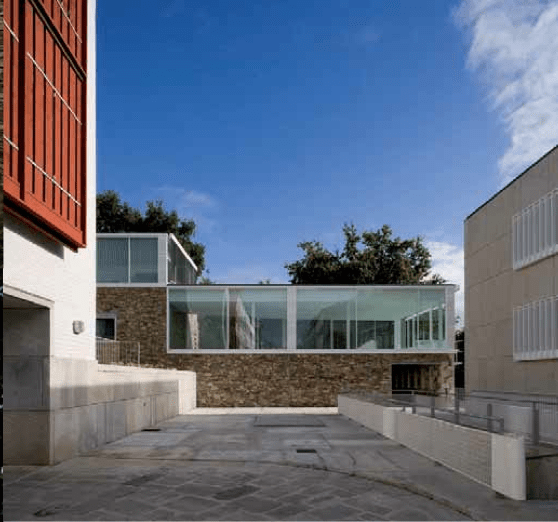 conjunto residencial en Caramoñina, en Santiago de Compostela, del arquitecto Víctor López Cotelo