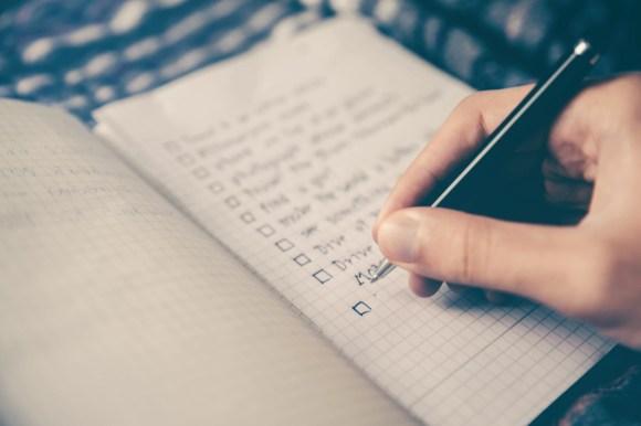 Estructurar un artículo es un buen comienzo para crear una buena introducción.