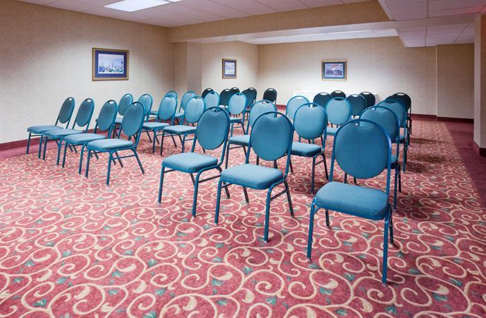 Holiday Inn Harborview Port Washington Compare Deals