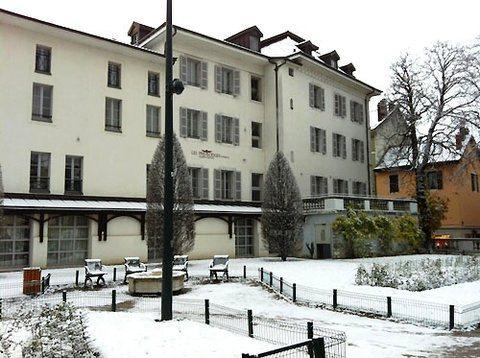 Privilodges Le Royal Apparthotel Annecy Compare Deals