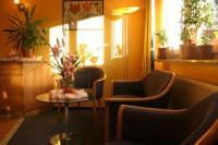 Hotel am Schwimmbad, Hattersheim am Main - Compare Deals