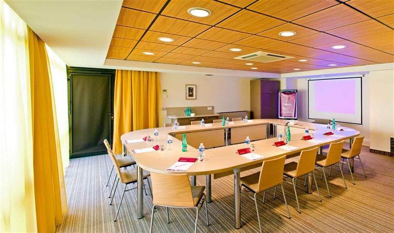 Mercure Toulouse Aeroport Golf De Seilh Compare Deals