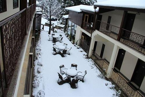 The Earls Court Nainital Compare Deals