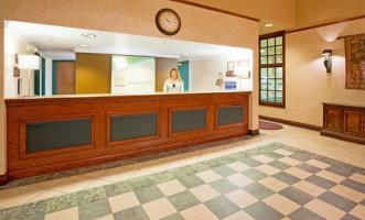 Holiday Inn Hotel Suites La Crosse Compare Deals
