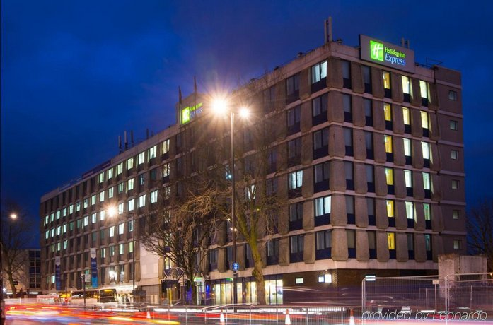 Holiday Inn Express Bristol City Centre Compare Deals
