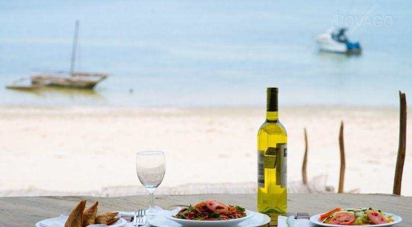Ziwa Beach Resort Mombasa Bandingkan Promo