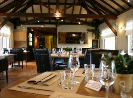 Logis Hotel Restaurant Des Acacias Neuville En Ferrain