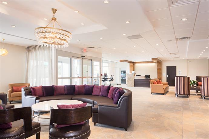 Crowne Plaza Chicago Sw Burr Ridge Compare Deals