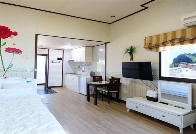 Seongsan Hotpul Guesthouse Seogwipo Compare Deals