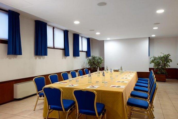 Villa Pace Park Hotel Bolognese Preganziol Compare Deals