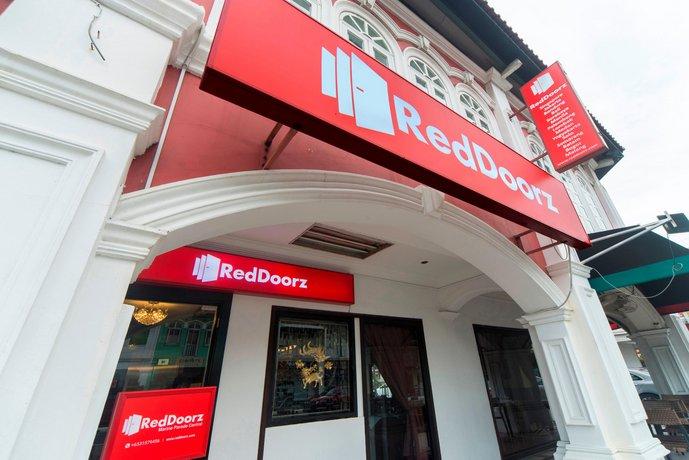 RedDoorz Hotel featured image