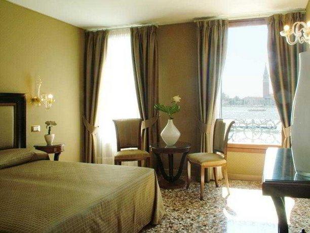 Hotel Paganelli Venice Compare Deals