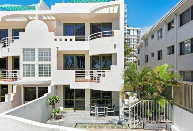 About Camargue Beachfront Apartments