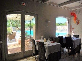 Les Aubuns Country Hotel Caissargues Compare Deals
