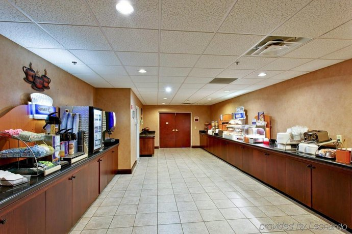 Holiday Inn Express Hotel Suites Kingsport Meadowview I 26