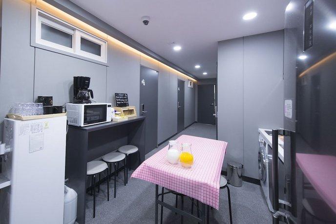 Philstay Myeongdong Metro Seoul Bandingkan Promo
