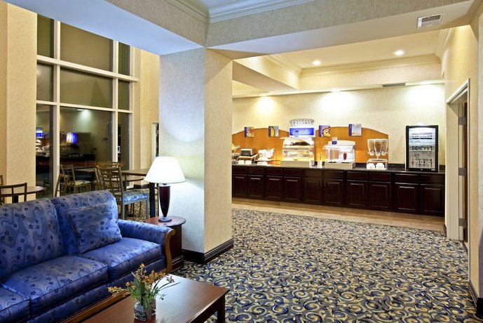 Holiday Inn Express Hotel Suites Frankfort Compare Deals