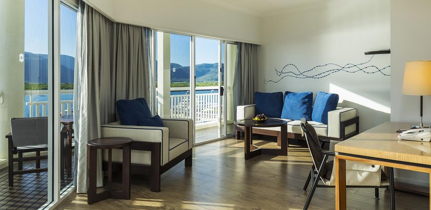 Shangri La Hotel The Marina Cairns Compare Deals