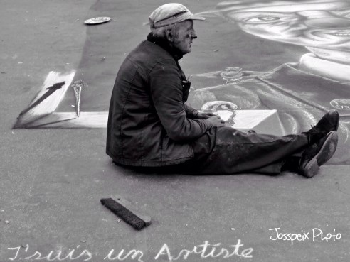 The street painter - Place du Palais Royal