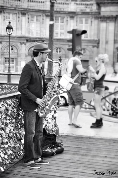 The saxophonist - Pont des Arts