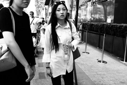 """""""China Girl"""" Avenue des Champs Elysées - Paris"""
