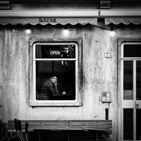 Bazar_window