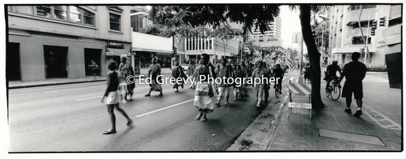 Hawaiian demo-march through downtown 9129-2-8A 2002