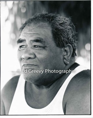 Jerry Puu on Mokauea Island. 5008-4 6-7-80