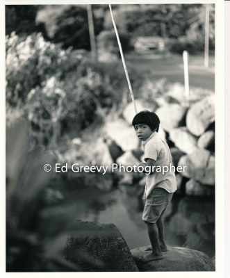 niumalu-boy-fishing-from-bridge-kauai-2666-85-13a-8-73