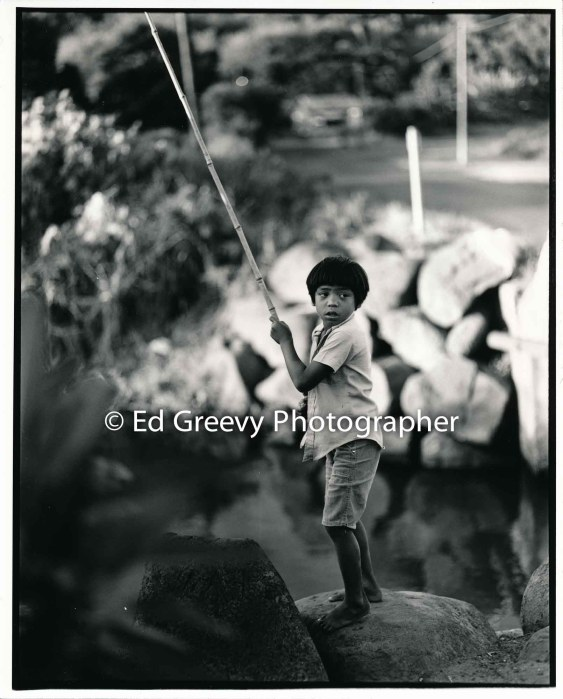 niumaly-boy-fishing-at-the-bridge-kauai-2666-85-11a-8-73