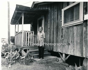 retired-sugar-worker-on-kauai-at-home-in-niumalu-nawiliwili-2666-6-18-8-73