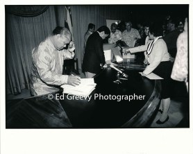 waiahole-waikane-community-leader-david-chinen-examines-lease-documents-in-governor-ben-cayetanos-office-9015-4-23-6-98