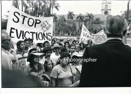 waiahole-waikane-residents-confront-mayor-frank-fasi-at-city-hall-to-protest-evictions-_