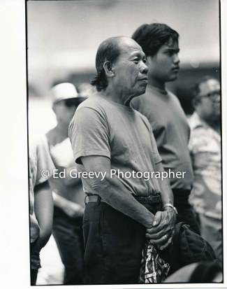 waiahole-waikane-residents-confront-the-governor-at-his-office-2742-2-24-10-1-74