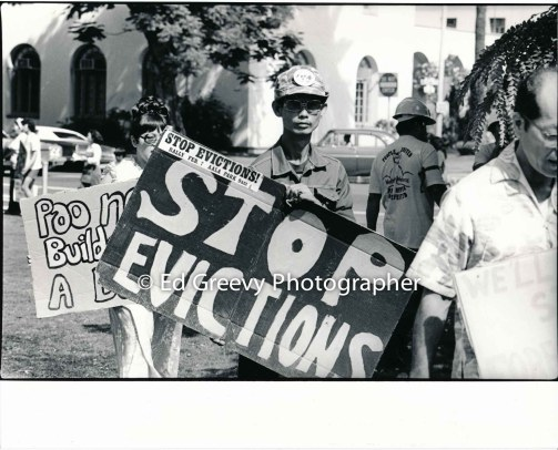 waiahole-waikane-residents-protest-evictions-outside-circuit-court-2988-4-5a-5-24-76