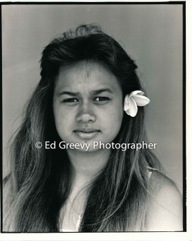 young-hawaiian-woman-on-molokai-project-for-honolulu-academy-of-arts-and-dorothy-curtis-6065-3-87