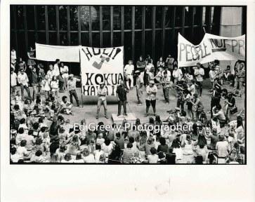George Santos addresses demonstrators at SOS-Kokua Hawaii demonstration at state cap. 2320- 3-31-71