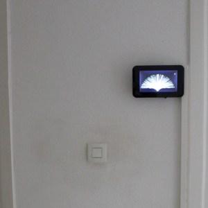 Installation Ecran tactile (c) EDI électricité - domotique - informatique